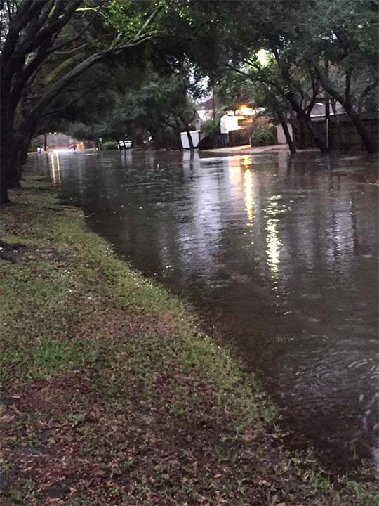 "<div class=""meta image-caption""><div class=""origin-logo origin-image none""><span>none</span></div><span class=""caption-text"">Houston flooding (Megan Nicole)</span></div>"
