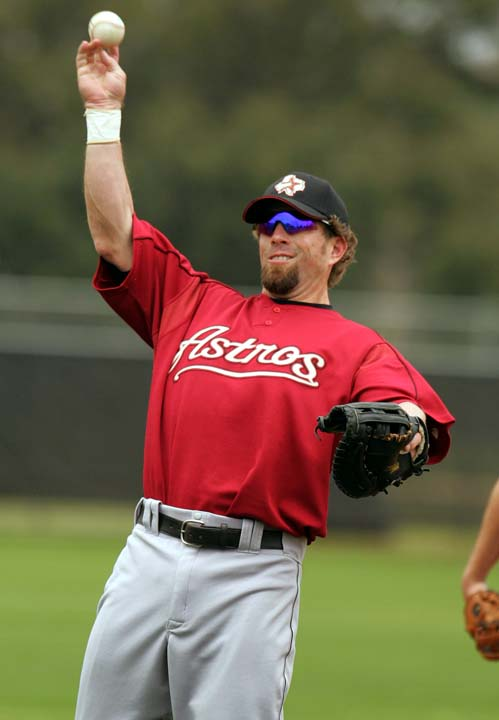 <div class='meta'><div class='origin-logo' data-origin='AP'></div><span class='caption-text' data-credit='Steven Senne'>Houston Astros' infielder Jeff Bagwell fields the ball during a team workout at spring training, in Kissimmee, Fla., Friday, Feb. 24, 2006.</span></div>