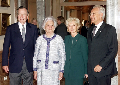 <div class='meta'><div class='origin-logo' data-origin='AP'></div><span class='caption-text' data-credit='AP Photo/Herbert Knosowski'>Former U.S. President George Bush, left, and Bavarian governor Edmund Stoiber, right, pose with their wives Barbara Bush and Karin Stoiber, second from right, for photographers.</span></div>