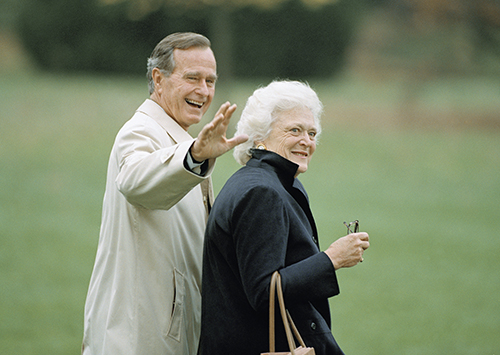 <div class='meta'><div class='origin-logo' data-origin='AP'></div><span class='caption-text' data-credit='AP Photo/Wilfredo Lee'>President George H.W.Bush waves as he and first lady Barbara Bush leave the White House in Washington, Nov. 5, 1992 for a weekend trip to Camp David, Maryland.</span></div>