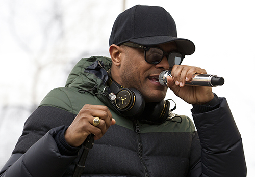 <div class='meta'><div class='origin-logo' data-origin='AP'></div><span class='caption-text' data-credit='AP Photo/Jose Luis Magana'>Maxwell performs during the Women's March on Washington, Saturday, Jan. 21, 2017 in Washington.</span></div>