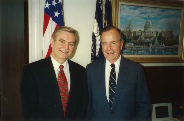 "<div class=""meta image-caption""><div class=""origin-logo origin-image none""><span>none</span></div><span class=""caption-text"">Dave Ward with former President George H.W. Bush (KTRK Photo)</span></div>"