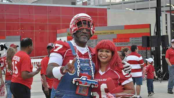 "<div class=""meta image-caption""><div class=""origin-logo origin-image none""><span>none</span></div><span class=""caption-text"">University of Houston celebrated the team's Peach Bowl victory with an event on campus in front of TDECU Stadium.  (KTRK Photo/ Markus Garcia)</span></div>"
