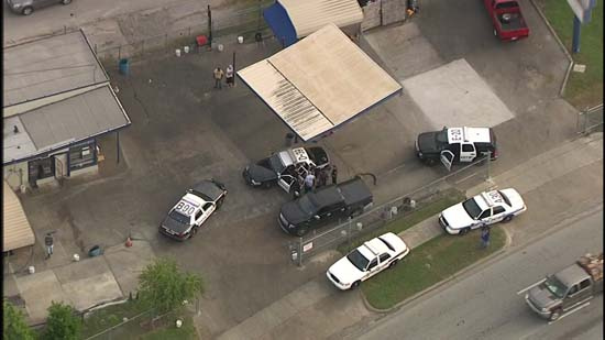 <div class='meta'><div class='origin-logo' data-origin='KTRK'></div><span class='caption-text' data-credit='KTRK'>Houston Police are investigating a possible road rage shooting at North Main and the North Loop.</span></div>