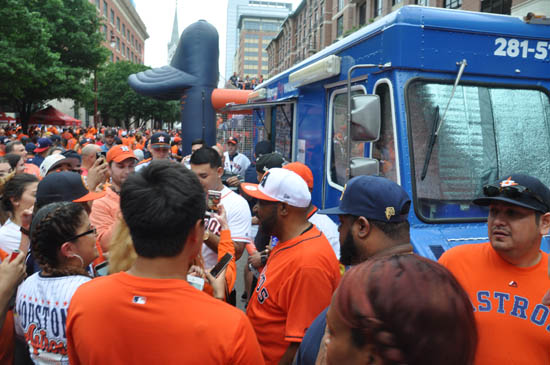 "<div class=""meta image-caption""><div class=""origin-logo origin-image ktrk""><span>KTRK</span></div><span class=""caption-text"">Rapper Bun B at the Astros Street Fest during home opener against the Royals.</span></div>"