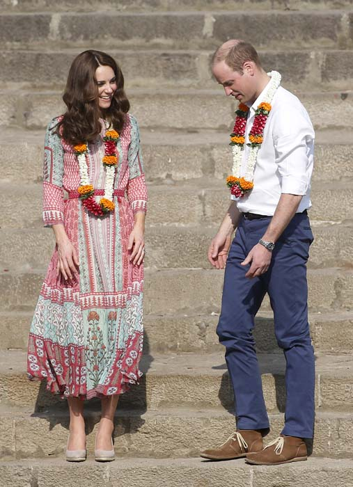 "<div class=""meta image-caption""><div class=""origin-logo origin-image ap""><span>AP</span></div><span class=""caption-text"">The Duke and Duchess of Cambridge, Prince William, and his wife stand after they float flowers at the Banganga Water Tank in Mumbai, India (AP Photo/Rajanish Kakade)</span></div>"