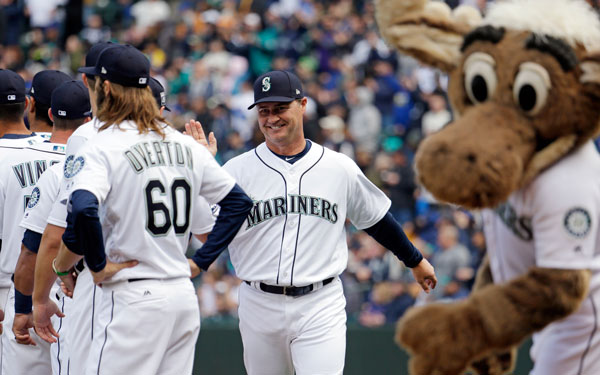 "<div class=""meta image-caption""><div class=""origin-logo origin-image none""><span>none</span></div><span class=""caption-text"">Seattle Mariners manager Scott Servais greets players before a baseball game between the Mariners and Houston Astros Monday, April 10, 2017, in Seattle. (AP Photo/Elaine Thompson)</span></div>"