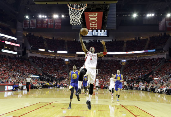 "<div class=""meta image-caption""><div class=""origin-logo origin-image ap""><span>AP</span></div><span class=""caption-text"">Houston Rockets' Jason Terry heads to the basket during the first half. (David J. Phillip)</span></div>"