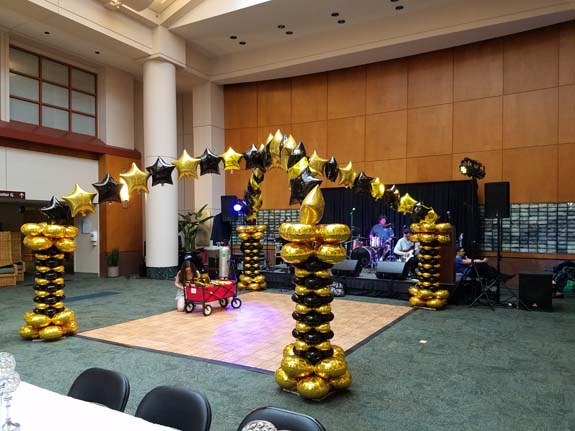 <div class='meta'><div class='origin-logo' data-origin='none'></div><span class='caption-text' data-credit=''>MD Anderson hosts a Great Gatsby-themed prom for dozens of patients undergoing cancer treatment at its children's hospital.</span></div>