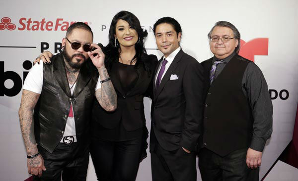 "<div class=""meta image-caption""><div class=""origin-logo origin-image none""><span>none</span></div><span class=""caption-text"">Selena's siblings, A.B. Quintanilla, left, Suzette Quintanilla, Chris Perez, Selena's husband and Ricardo Vela, right, pose during the Latin Billboard Awards (AP Photo/ Alan Diaz)</span></div>"