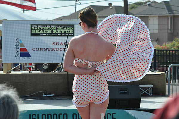 "<div class=""meta image-caption""><div class=""origin-logo origin-image ""><span></span></div><span class=""caption-text"">Galveston's Bathing Beauties Contest, held Saturday, May 17, 2014, highlighting the Galveston Island Beach Revue weekend. (KTRK Photo/ Gina Larson)</span></div>"