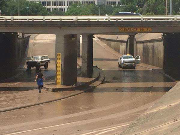 <div class='meta'><div class='origin-logo' data-origin='none'></div><span class='caption-text' data-credit='Pooja Lodhia/Photo'>Allen Parkway finally is clear of the flood waters by Wednesday afternoon, May 27, 2015.</span></div>