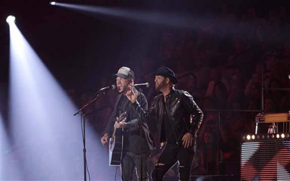 """<div class=""""meta image-caption""""><div class=""""origin-logo origin-image none""""><span>none</span></div><span class=""""caption-text"""">Chris Lucas, left, and Preston Brust, of LoCash, perform â??I Love This Lifeâ?? at the CMT Music Awards at the Bridgestone Arena on Wednesday, June 8, 2016, in Nashville, Tenn. (Wade Payne/Invision/AP)</span></div>"""