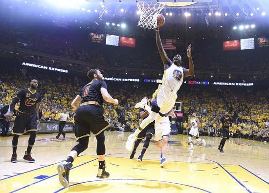 "<div class=""meta image-caption""><div class=""origin-logo origin-image ap""><span>AP</span></div><span class=""caption-text"">Golden State Warriors forward Draymond Green (23) shoots against the Cleveland Cavaliers. (Kyle Terada/Pool Photo via AP) (AP)</span></div>"