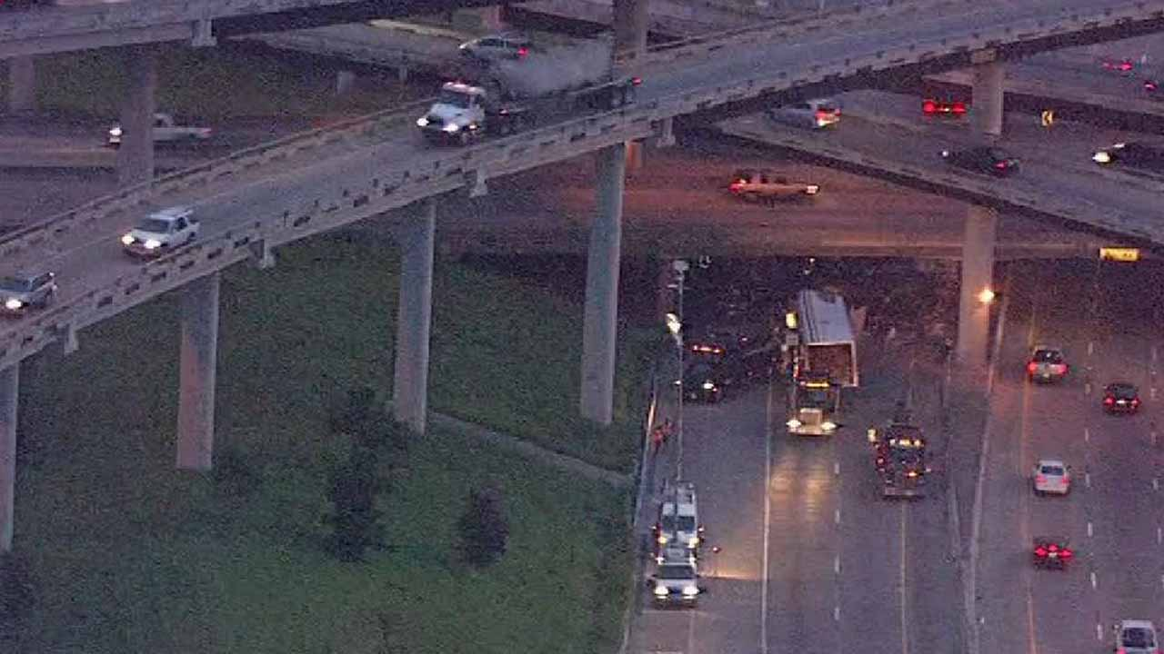 <div class='meta'><div class='origin-logo' data-origin='none'></div><span class='caption-text' data-credit=''>All southbound lanes of Highway 288 were shut down at the 610 South Loop for hours following an 18-wheeler accident.</span></div>