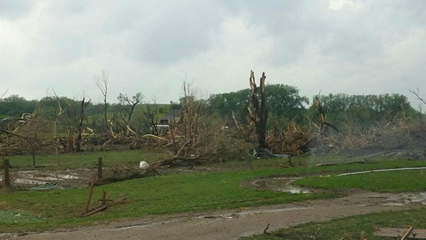 Strong tornadoes did heavy damage to the town of Pilger, NE. <span class=meta>@Shrub_Remter</span>