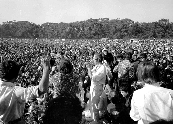 <div class='meta'><div class='origin-logo' data-origin='AP'></div><span class='caption-text' data-credit=''>Timothy Leary, center, leads thousands in a song at the &#34;Human Be-In&#34; on the Golden Gate Park Polo Fields in San Francisco.</span></div>