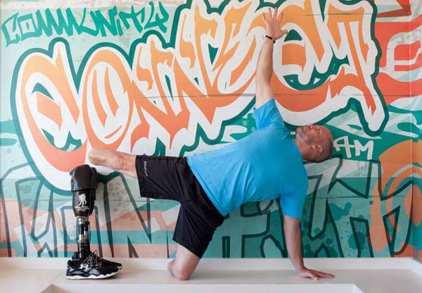 <div class='meta'><div class='origin-logo' data-origin='none'></div><span class='caption-text' data-credit='KTRK Photo/ Anna K Dennis'>He lost both his legs in the Iraq War, but Staff Sgt. Dan Nevins refused to let that hold him back.</span></div>