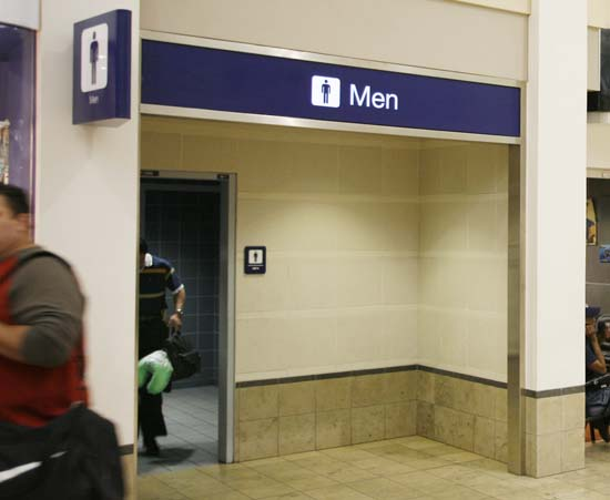 "<div class=""meta image-caption""><div class=""origin-logo origin-image ap""><span>AP</span></div><span class=""caption-text"">The bathroom at the Minneapolis St. Paul International Airport in Minneapolis where U.S. Sen. Larry Craig, R-Idaho, was arrested in a sex sting (AP Photo/Andy King)</span></div>"