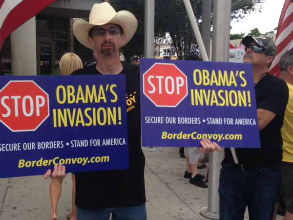The National Border Convoy,  a group who wants stronger border controls, held a rally Friday at the McAllen bus station while pro-immigration groups demonstrated against them. <span class=meta></span>