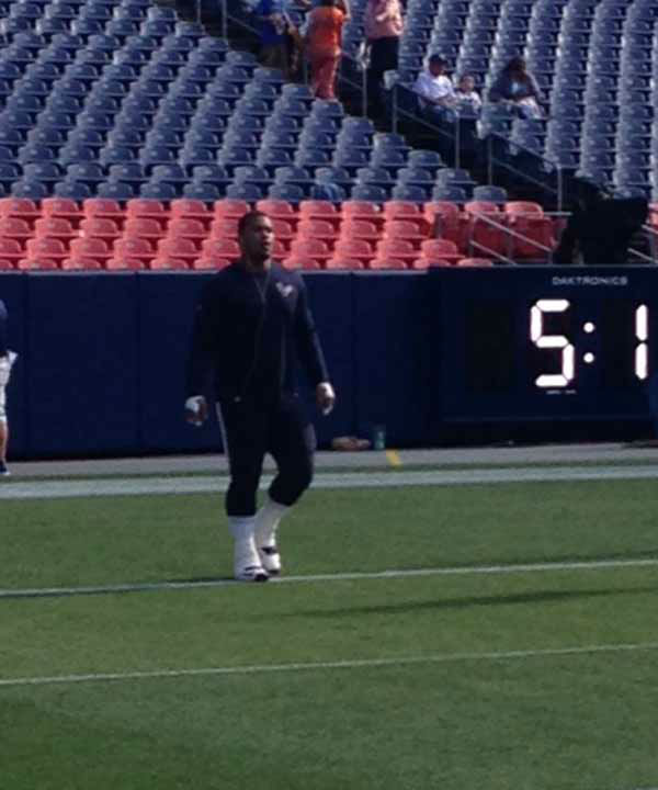 The Houston Texans get ready for tonight's game against the Denver Broncos <span class=meta>David Nuno</span>