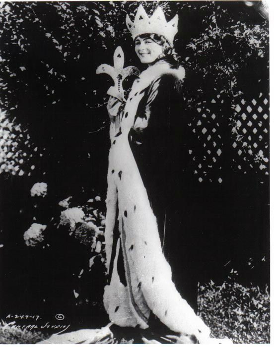 "<div class=""meta image-caption""><div class=""origin-logo origin-image none""><span>none</span></div><span class=""caption-text"">1922 - Mary Katherine Campbell - Columbus, OH  (Photo/Miss America Organization)</span></div>"