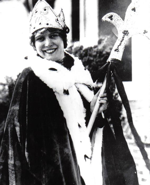 "<div class=""meta image-caption""><div class=""origin-logo origin-image none""><span>none</span></div><span class=""caption-text"">1925 - Fay Lanphier - Oakland, CA  (Photo/Miss America Organization)</span></div>"