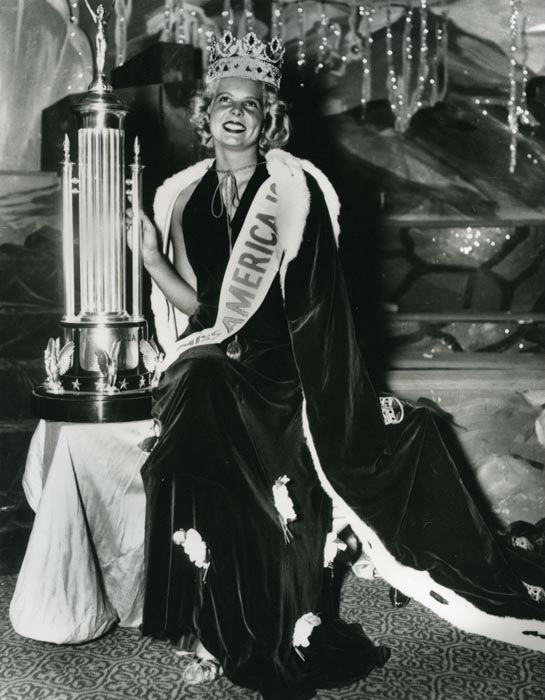 "<div class=""meta image-caption""><div class=""origin-logo origin-image none""><span>none</span></div><span class=""caption-text"">1937 - Bette Cooper - Bertrand Island, NJ   (Photo/Miss America Organization)</span></div>"