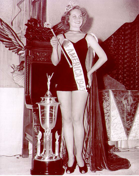 "<div class=""meta image-caption""><div class=""origin-logo origin-image none""><span>none</span></div><span class=""caption-text"">1943 - Jean Bartel - Los Angeles, CA  (Photo/Miss America Organization)</span></div>"