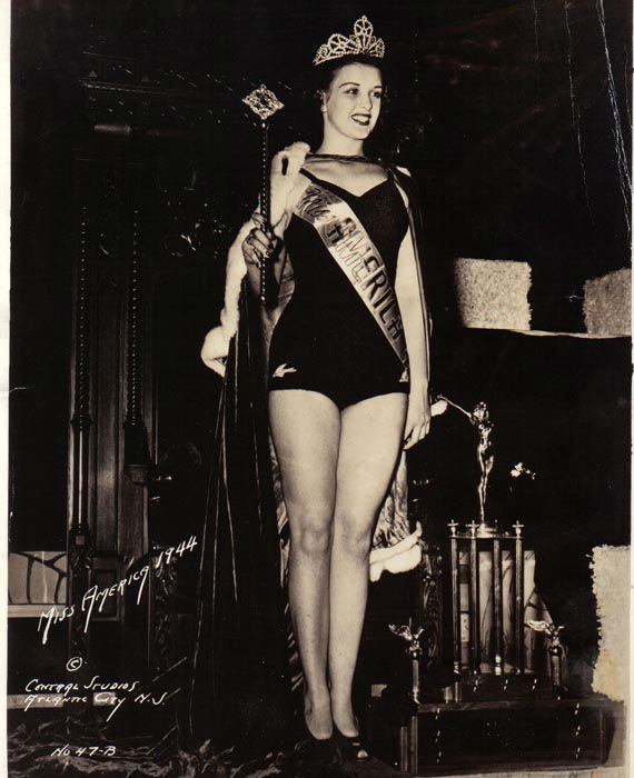 "<div class=""meta image-caption""><div class=""origin-logo origin-image none""><span>none</span></div><span class=""caption-text"">1944 - Venus Ramey - Washington, DC  (Photo/Miss America Organization)</span></div>"