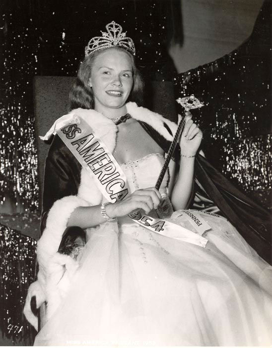 "<div class=""meta image-caption""><div class=""origin-logo origin-image none""><span>none</span></div><span class=""caption-text"">1954 - Evelyn Ay - Ephrata, PA  (Photo/Miss America Organization)</span></div>"