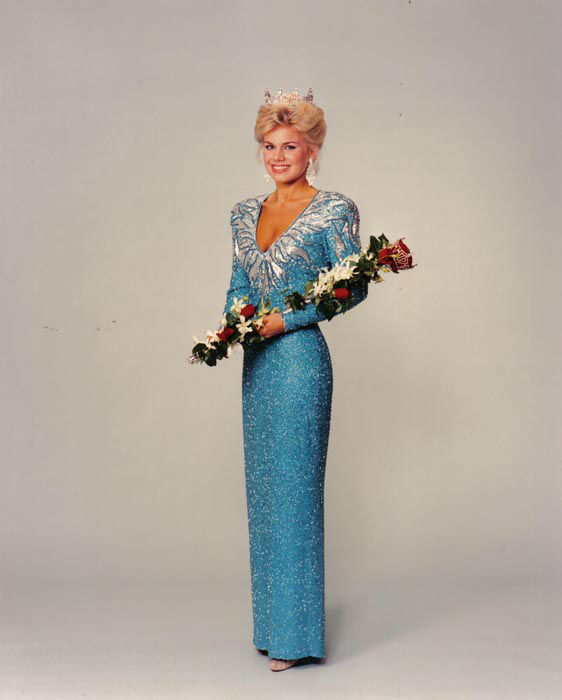 "<div class=""meta image-caption""><div class=""origin-logo origin-image none""><span>none</span></div><span class=""caption-text"">1989 - Gretchen Carlson - Anoka, MN   (Photo/Miss America Organization)</span></div>"