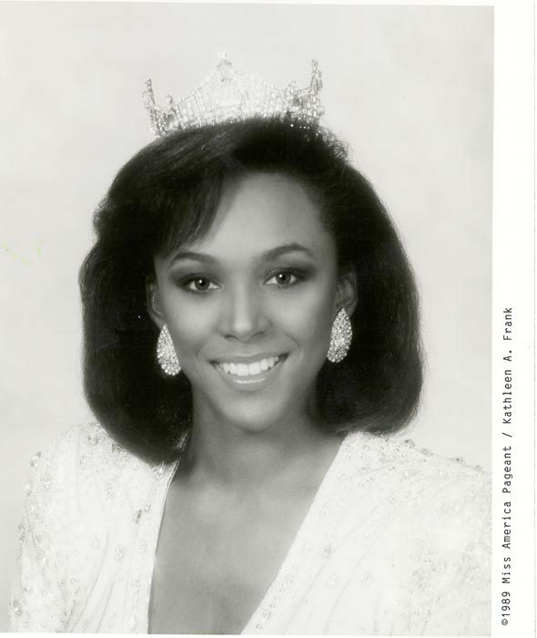 "<div class=""meta image-caption""><div class=""origin-logo origin-image none""><span>none</span></div><span class=""caption-text"">1990 - Debbye Turner - Columbia, MO   (Photo/Miss America Organization)</span></div>"