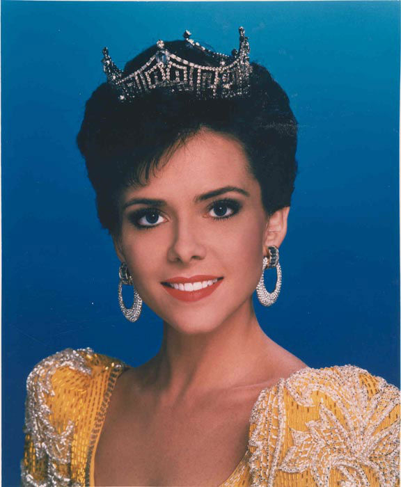 "<div class=""meta image-caption""><div class=""origin-logo origin-image none""><span>none</span></div><span class=""caption-text"">1993 - Leanza Cornett - Jacksonville, FL   (Photo/Miss America Organization)</span></div>"