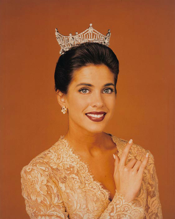 "<div class=""meta image-caption""><div class=""origin-logo origin-image none""><span>none</span></div><span class=""caption-text"">1995 - Heather Whitestone - Birmingham, AL  (Photo/Miss America Organization)</span></div>"