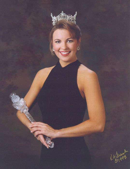 "<div class=""meta image-caption""><div class=""origin-logo origin-image none""><span>none</span></div><span class=""caption-text"">1999 - Nicole Johnson - Virginia Beach, VA   (Photo/Miss America Organization)</span></div>"