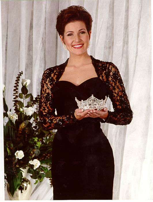 "<div class=""meta image-caption""><div class=""origin-logo origin-image none""><span>none</span></div><span class=""caption-text"">2000 - Heather French - Maysville, KY  (Photo/Miss America Organization)</span></div>"