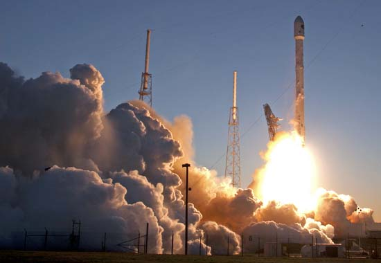<div class='meta'><div class='origin-logo' data-origin='AP'></div><span class='caption-text' data-credit='AP Photo/John Raoux'>An unmanned Falcon 9 SpaceX rocket lifts off from launch complex 40 at the Cape Canaveral Air Force Station</span></div>