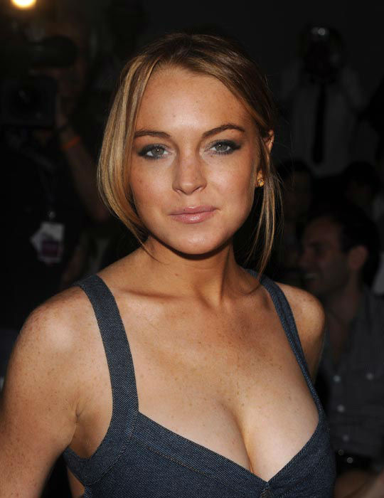 """<div class=""""meta image-caption""""><div class=""""origin-logo origin-image none""""><span>none</span></div><span class=""""caption-text"""">Actress Lindsay Lohan attends the Charlotte Ronson 2009 Spring Collection in Bryant Park during Fashion Week in New York on Saturday, Sept. 6, 2008.  (AP Photo/ Peter Kramer)</span></div>"""