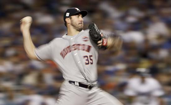 <div class='meta'><div class='origin-logo' data-origin='AP'></div><span class='caption-text' data-credit='AP'>Houston Astros starting pitcher Justin Verlander throws Los Angeles Dodgers during the fifth inning of Game 2. (AP Photo/Matt Slocum)</span></div>