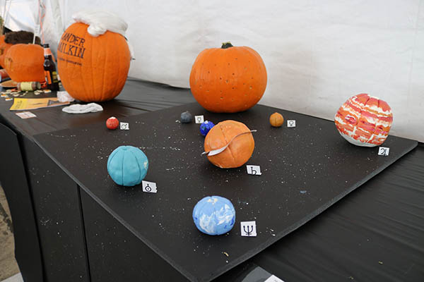 "<div class=""meta image-caption""><div class=""origin-logo origin-image ktrk""><span>KTRK</span></div><span class=""caption-text"">This is ""Solar Sys-kin by Pete Davis as part of Adcetera's 19th annual pumpkin carving contest.</span></div>"