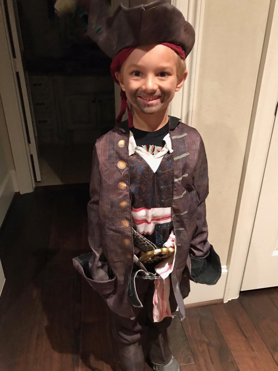 <div class='meta'><div class='origin-logo' data-origin='none'></div><span class='caption-text' data-credit=''>Anchor Ilona Carson's son Pierce shows off his Captain Jack Sparrow costume. Look at that beard!</span></div>