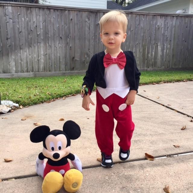 <div class='meta'><div class='origin-logo' data-origin='none'></div><span class='caption-text' data-credit=''>Gray, son of Rebecca Spera, poses with Mickey.</span></div>