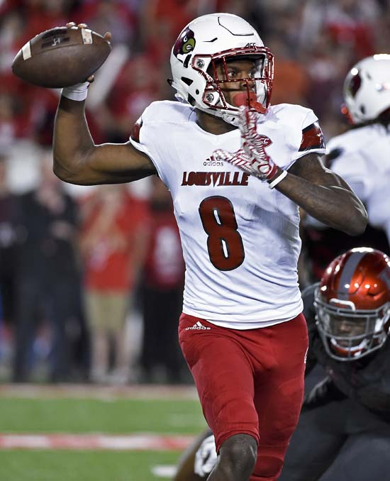 "<div class=""meta image-caption""><div class=""origin-logo origin-image ap""><span>AP</span></div><span class=""caption-text"">Louisville quarterback Lamar Jackson (8) throws a pass during the first half of an NCAA college football game against Houston, Thursday, Nov. 17, 2016, in Houston. (AP Photo/Eric Christian Smith)</span></div>"