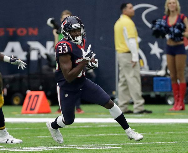 <div class='meta'><div class='origin-logo' data-origin='AP'></div><span class='caption-text' data-credit='AP'>Houston Texans' Akeem Hunt is shown during the first half of an NFL football game Sunday, Nov. 27, 2016, in Houston. (AP Photo/David J. Phillip)</span></div>