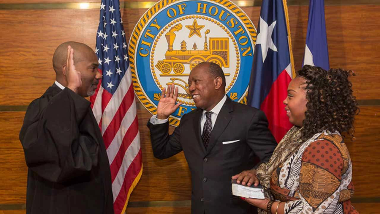 Sylvester Turner sworn in as Houstons mayor