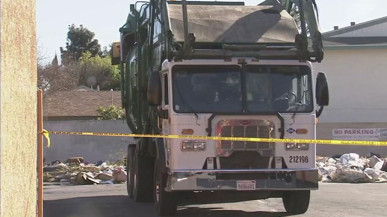 Dump truck - garbage truck
