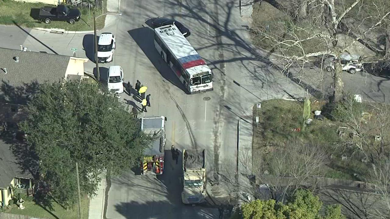 SkyEyeHD over a METRO bus crash in north Houston