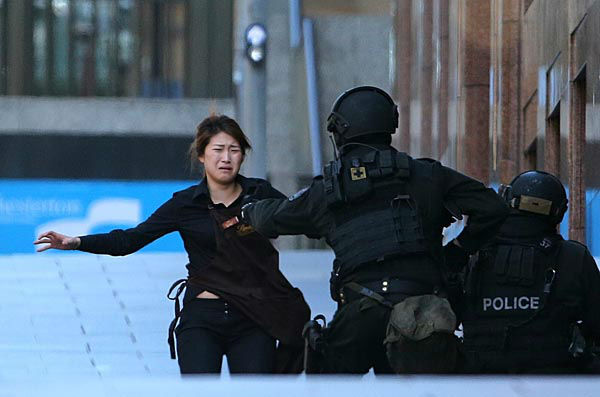 Sydney cafe hostage situation: Gunman, 2 others dead | abc7.