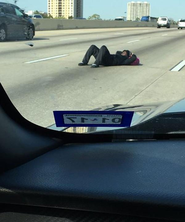 Napping on the freeway man shuts down the west loop for Abc motor credit gilchrist rd